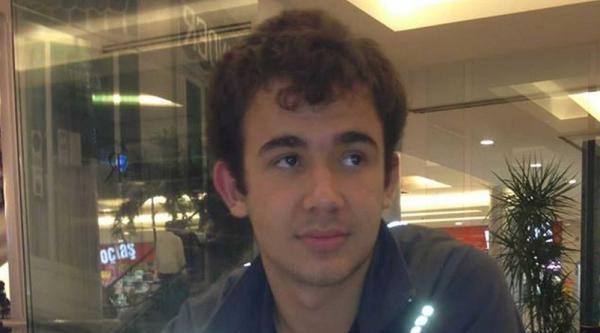 Lise Öğrencisi Babasının Silahıyla İntihar Etti