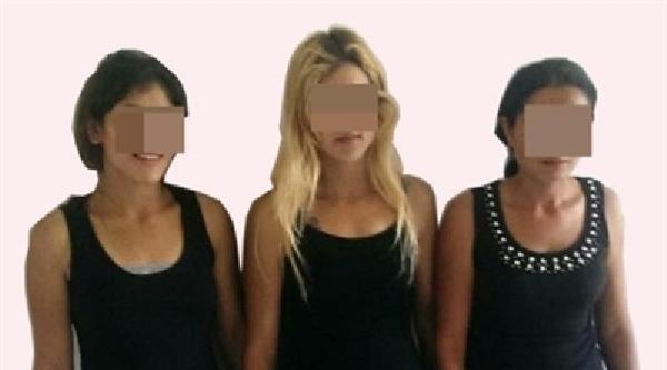 Liselileri Aşk Vaadiyle Kandıran 3 Kız Yakalandı