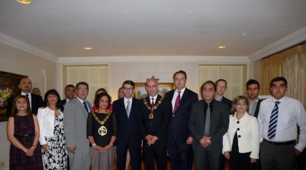 Londra Başkonsolosluğu'nda Türk Kökenli Belediye Meclis Üyeleri Onuruna Yemek