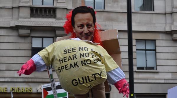 Londra'da Onbinler Filistin İçin Yürüdü