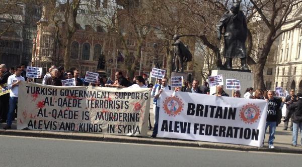 Londra'da Türkiye'nin Politikası Protesto Edildi