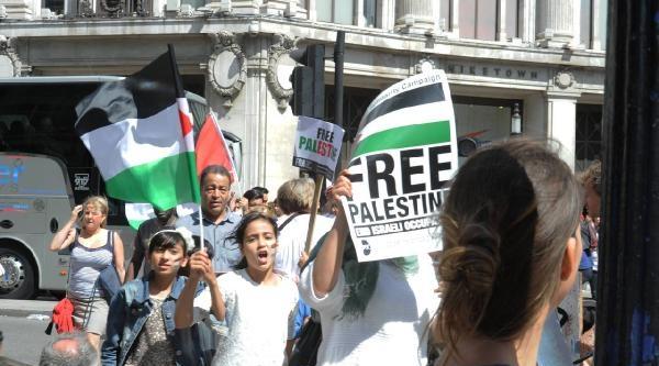 Londra'da Yüz Binler Gazze İçin Yürüdü