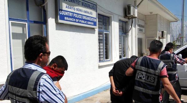 Lüks Minibüsle Hırsızlık Yaparken Polise Yakalandı