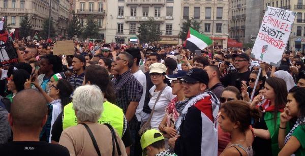 Lyon'da Filistin İçin Gösteri Yapıldı