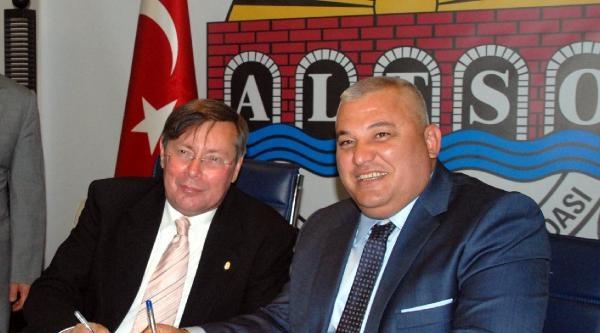 Macaristan İle Vize Protokolü İmzalandi