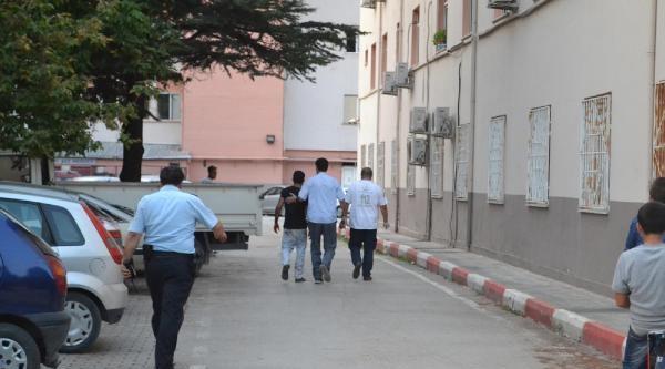 Madde Bağımlısı Genç Ambulansa Binmeyi Reddetti