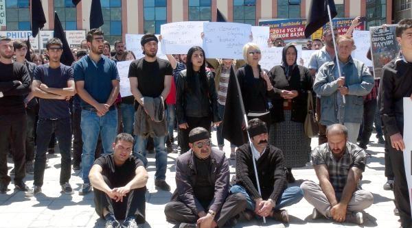 Maden Faciasını Yatarak Protesto Ettiler