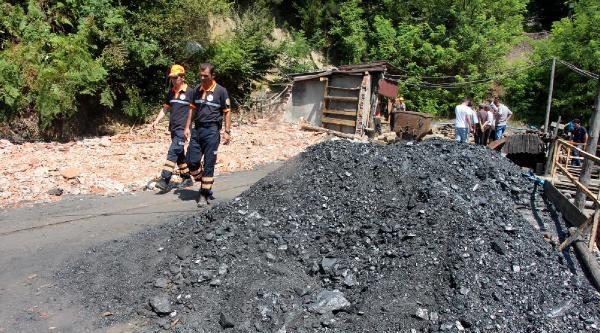Maden Ocağında Göçük: 9 İşçi Mahsur (fotoğraflar)