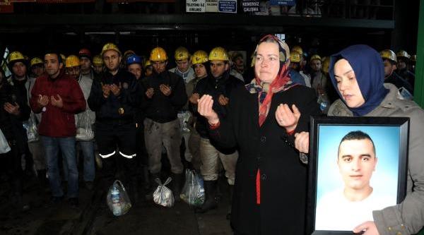 Maden Ocağinda Ölen 8 Işçi Dualarla Anildi