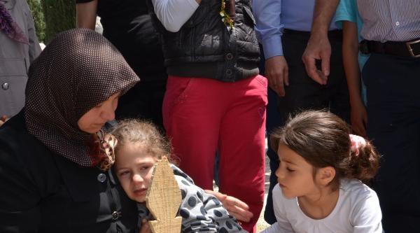 Maden Şehidinin Kızı Rüveyda'nın Gözyaşları
