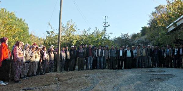Madene Karşi 'duran Köylü' Eylemi