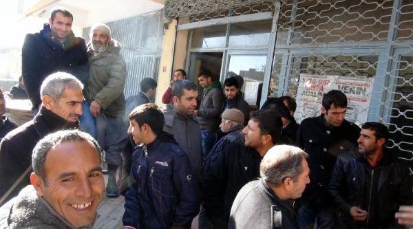 Mahalle Halki Kesintiye Isyan Edip Dedaş'i Basti