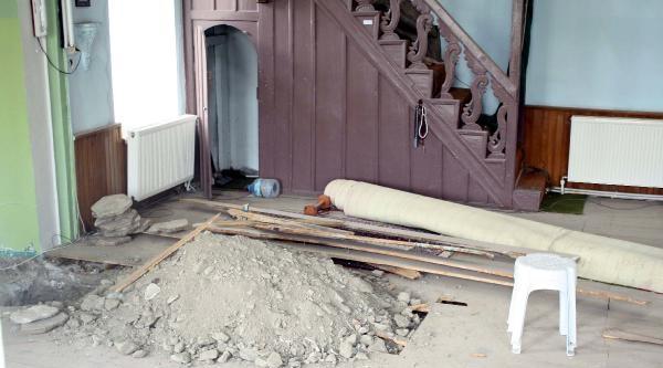Mahalleli Tepki Gösterdi, Cami Onarılmaya Başlandı