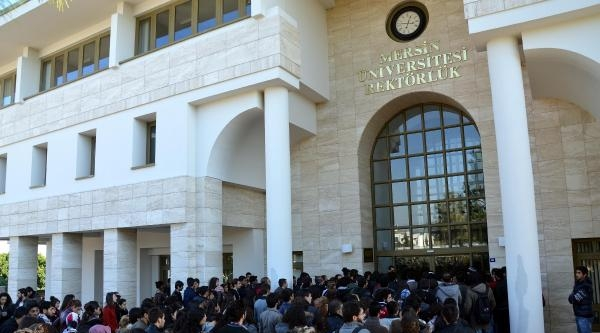 Mahkeme Öğrenci Eylemine Verilen Disiplin Cezasını Kaldırdı