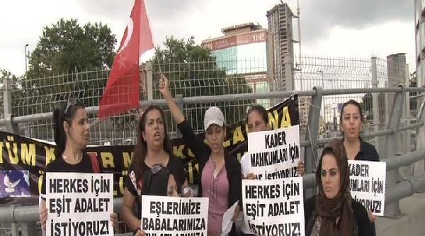 Mahkum Eşlerinden Adalet Sarayı Önünde Af Eylemi
