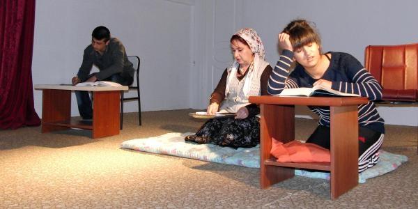 Mahkumlardan 'alo Fetva Hatti' Isimli Tiyatro Gösterisi