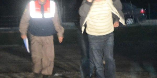 Mahkumlardan Para Alan Iki Infaz Koruma Memuru Tutuklandi