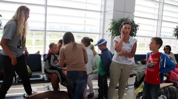 Mahsur Kalan Rus Turistlerden 17'si Ülkelerine Döndü