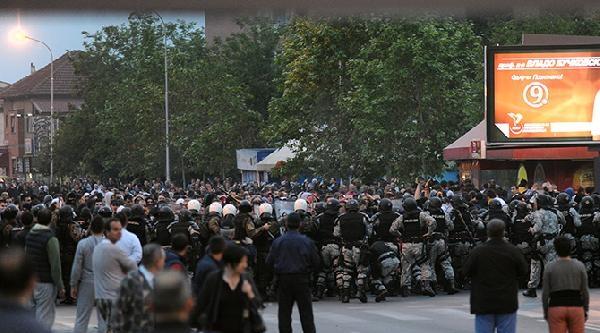 Makedonya'da Bisiklet Hırsızlığı İle Başlayan Olaylar Etnik Çatişmaya Döndü