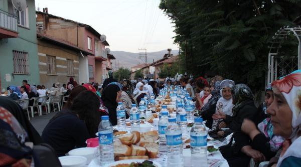 Malatya'da 8 Bin Kişilik Sokak İftari