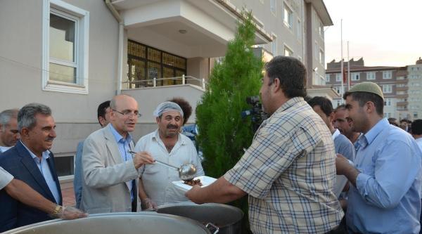 Maliye Bakanı Şimşek Memleketinde İftara Katıldı