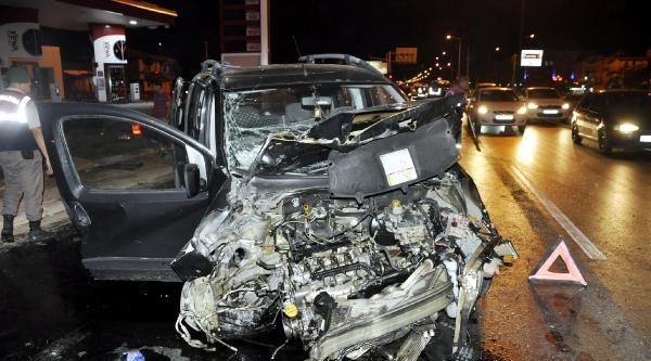 Manavgat'ta Trafik Kazası: 2'si Turist 3 Yaralı