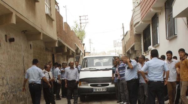 Manevra Yapan Minibüsün Altında Kalan Çocuk Öldü