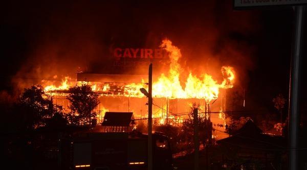 Mangal Ateşi Lokantayı Kül Etti