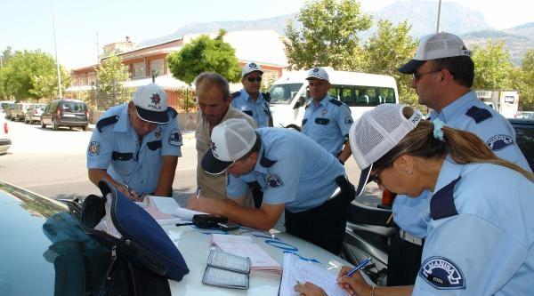 Manisa'da Kasksız Sürücülere Ceza Yağdı