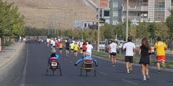 Maratonu Kazananlara Madalya, Para Ve Isot Virildi