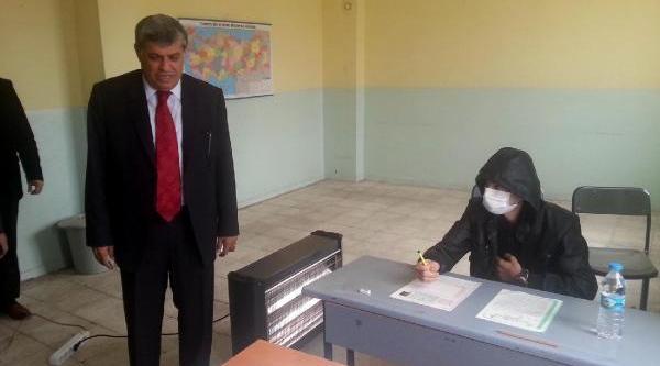 Mardin'de Lösemi Hastasi Rüstem, Özel Sinifta Sinava Girdi