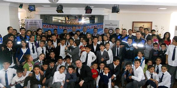 Mardin'de Polis- Öğrenci Kaynaşmasi