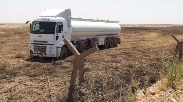 Mardin'de Sürücüsü Uyuyan Tanker, Mayınlı Sahaya Girdi