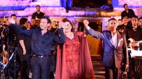 Marıo Frangoulıs'ten Efes Antik Tiyatroda Konser