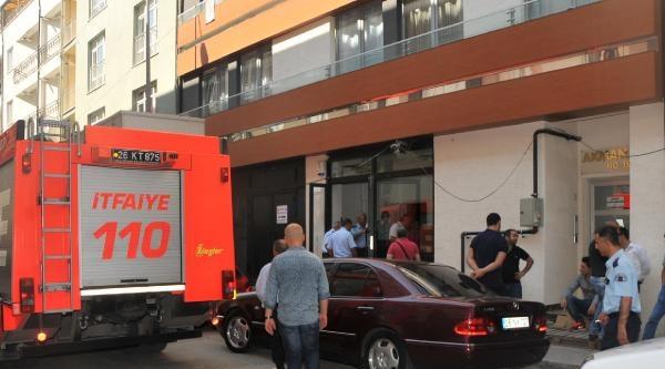 Markette Yük Asansörünün Altında Kalan Kasap Öldü