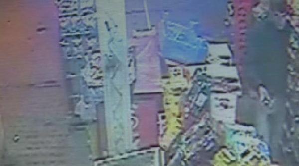 Marketten Yağ Hırsızlığı Güvenlik Kamerasında