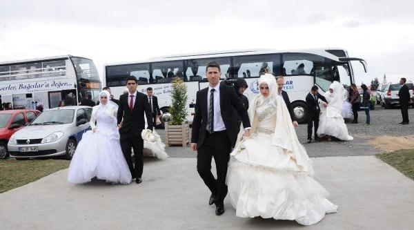 Marmaray'da 48 Gelin Ve Damat