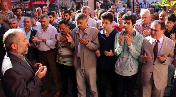 Mavi Marmara'da Ölen Uğur Söylemez İçin Gıyabi Cenaze Namazı