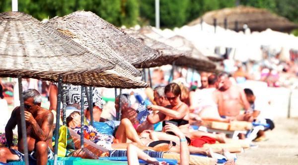 Mayıs Sıcağı Sahilleri Doldurdu