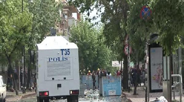 Mecidiyeköy'de Çok Sayıda Kişi Gözaltına Alındı