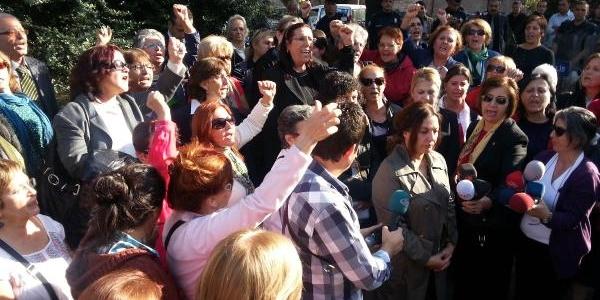 Meclis Önünde Türban Protestosu (1)