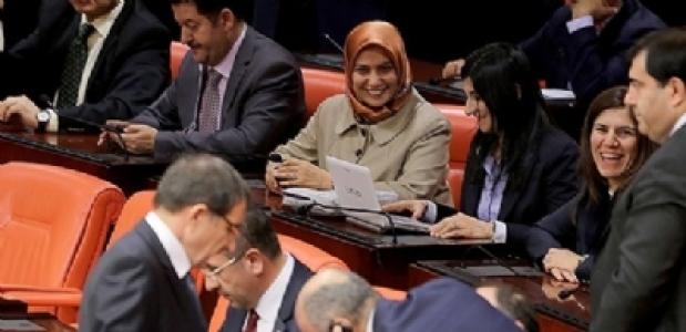 Meclis'te Başörtülü Milletvekili Sayısı 5 Oldu...