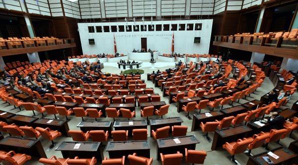 Meclis'te İki Bakan Hakkında Verilen Gensoruların Ön Görüşmesi Yapılıyor