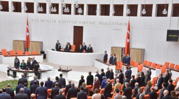 Meclis'te Manisa Soma İçin Bir Dakikalık Saygı Duruşu Yapıldı