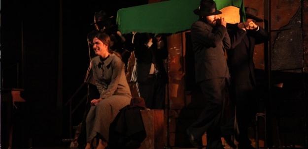 Mehmet Akif tiyatro gösterisiyle anıldı...