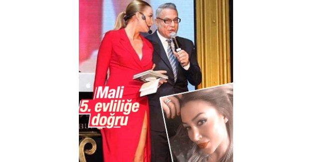 Mehmet Ali Erbil Bade Nogay'la nişanlandı
