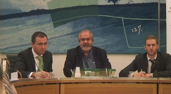 Mehmet Altan:  Şükür'ün Istifasi Partide Muhtemel Bir Depremin Başlangici Olabilir