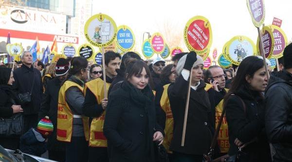 Memurlarin Halkbank Protestosu