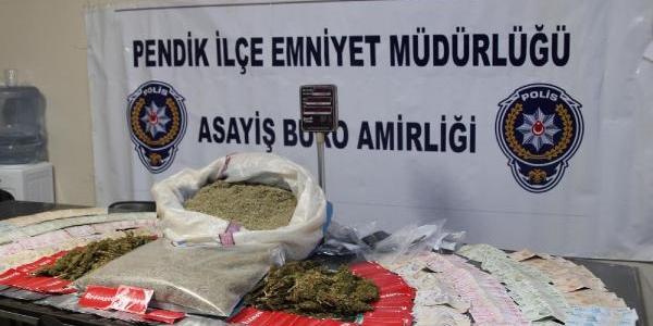 Mendil Paketi Içinde Uyuşturucu Satişi