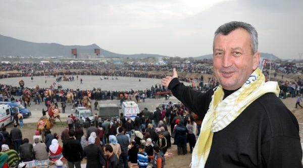 Menemen'De Deve Güreşi Festivali
